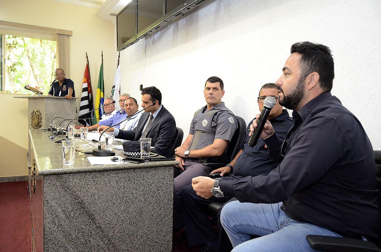 Unidade de Segurança Pública reúne autoridades e moradores para discutir segurança em Várzea Paulista