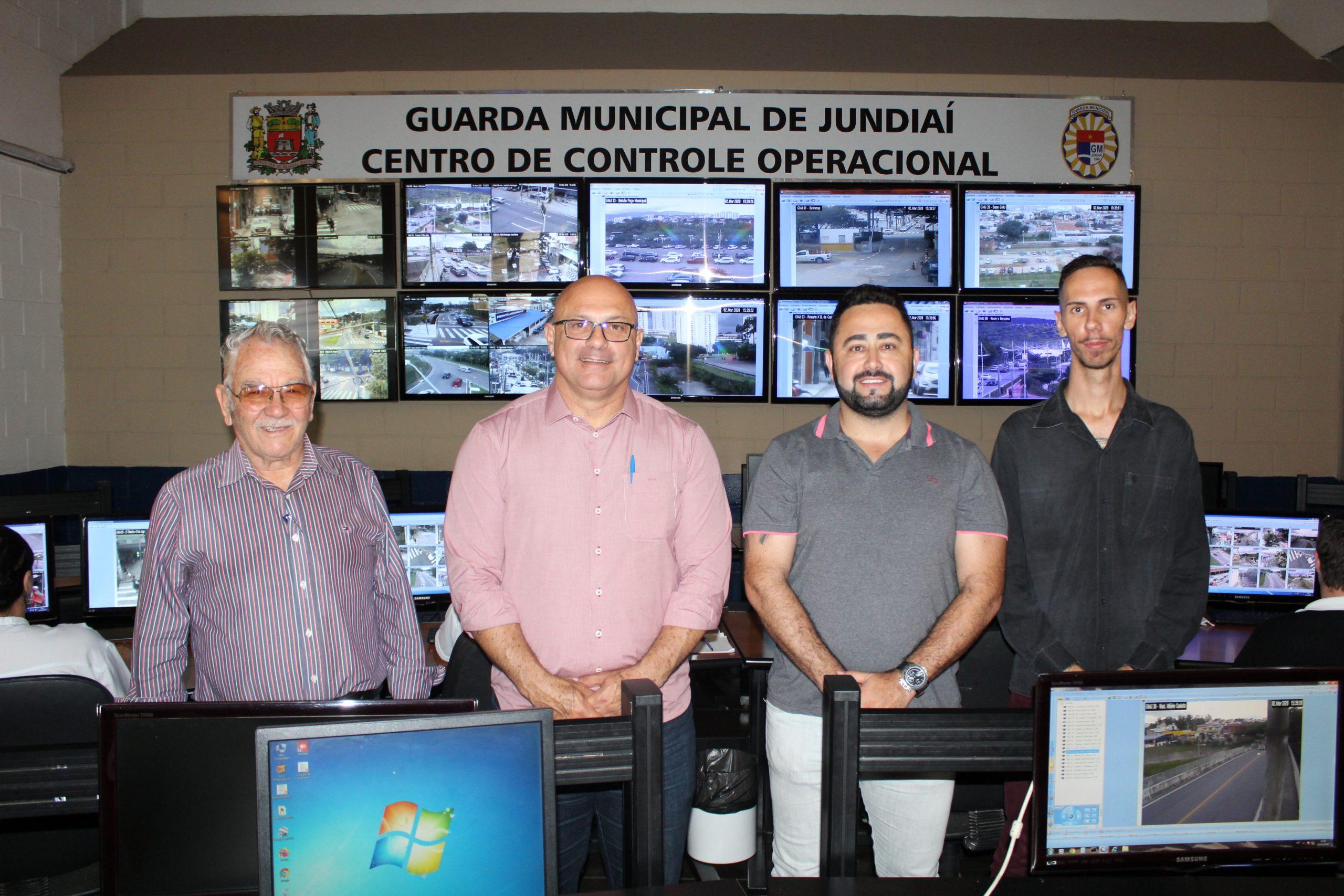 Gestor de Segurança visita Central de Monitoramento jundiaiense
