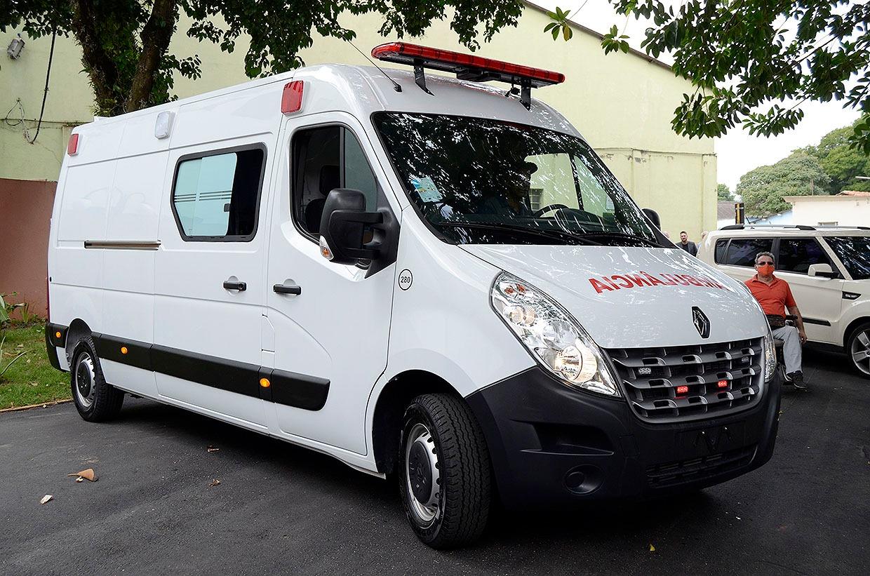 Várzea Paulista recebe uma nova ambulância UTI