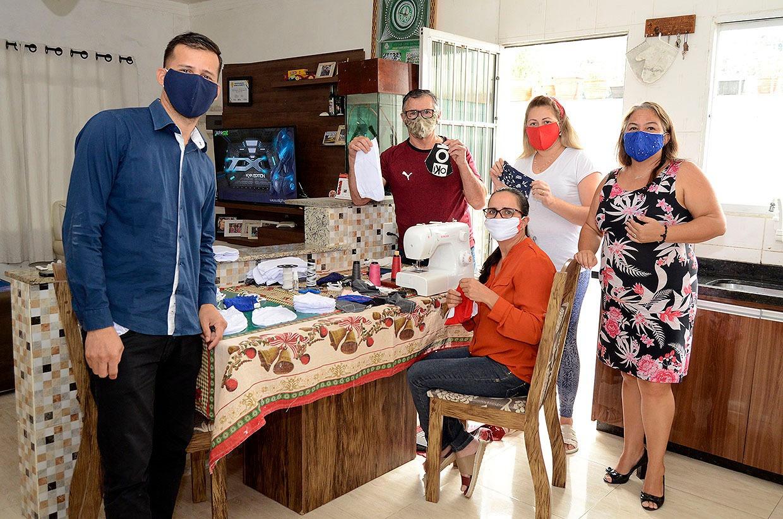 Prefeitura de Várzea Paulista incentiva confecção de máscaras