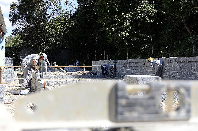 Escolas de Várzea Paulista passam por obras