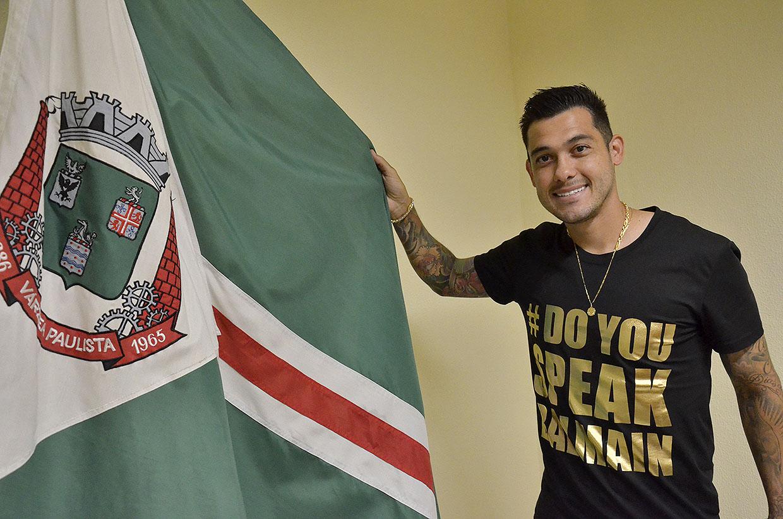 Atleta varzino Diego Barboza consegue carreira longa e joga futebol fora do Brasil