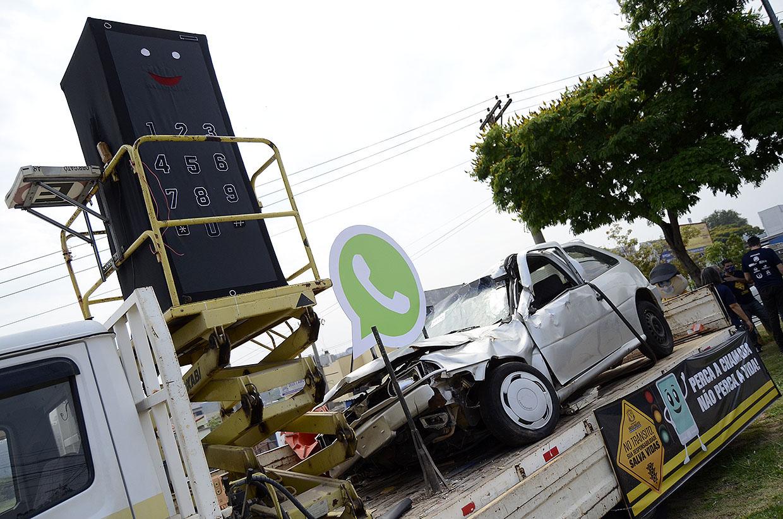 Ação na Semana Nacional do Trânsito foca no uso de celular no volante