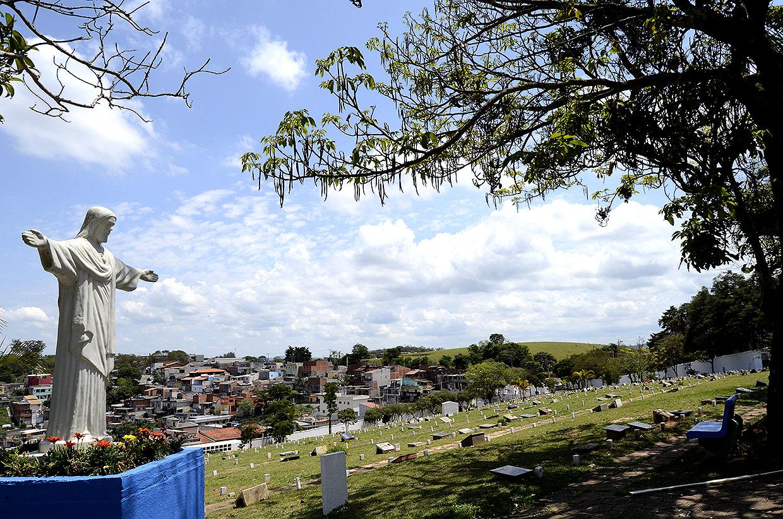 Cemitério Nossa Senhora da Piedade tem programação para o Dia de Finados